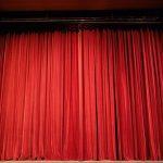 A színházban ülj, ne a dugóban!