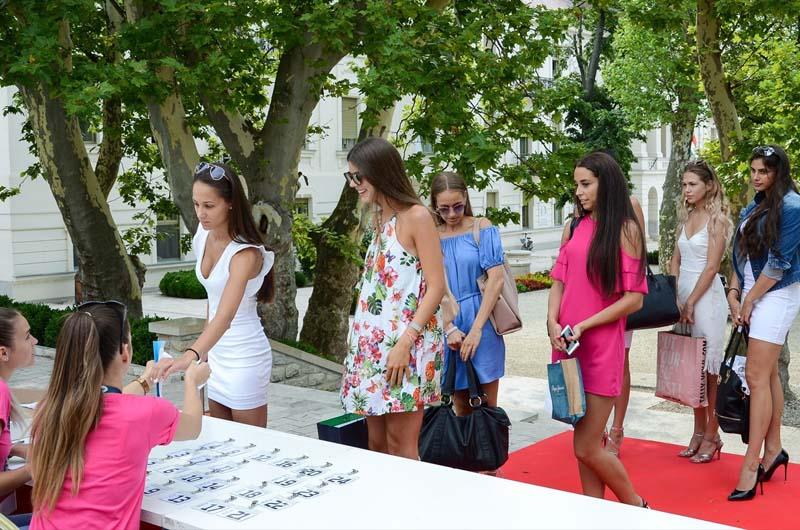 Miss Balaton lányok érkezése