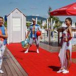 Divatbemutatót tartott a Rossmann a Lupa-tó strandján