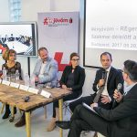 A Coca-Cola 8000 fiatal elhelyezkedését segíti