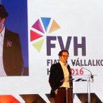 Hogyan lesz egy teherautó-sofőrből milliárdos? – magyar milliárdosok árulják el kulisszatitkaikat a Fiatal Vállalkozók Hetén